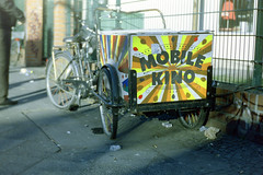Mobile Kino (Jörg Krüger) Tags: beroquick beroquickelectric beyer beirette meritar 35mm analog mobilekino bike bicycle tricycle