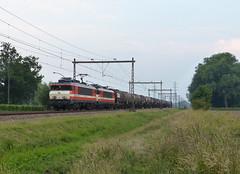 Locon 9901+9908 met keteltrein te Hengelo (Allard Bezoen) Tags: ex ns 1600 1800 loc 9900 biodiesel hengelo 9901 eloc 9908 locon westermaat ketelwagens ketelwagentrein spotvervoer