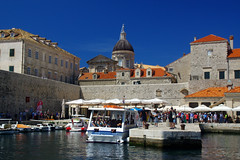 Dubrovnik (Croatie) (PierreG_09) Tags: mer architecture croatia hr fortification bateau dubrovnik ville muraille croatie hrvatska adriatique rempart dalmatie tourdesremparts