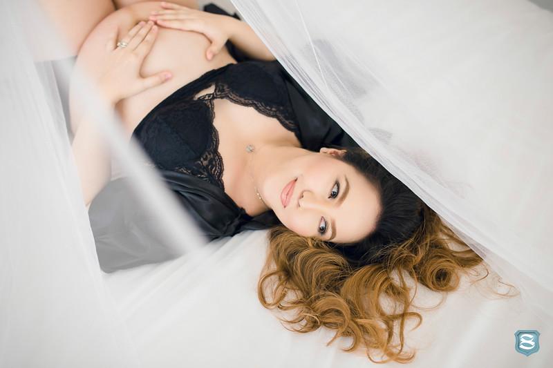 maternity lifestyle photographer-12