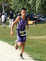 Purple suit (Cavabienmerci) Tags: kids triathlon 2016 yverdon les bains switzerland suisse schweiz kid child children boy boys run race runner runners lauf laufen läufer course à pied sport sports running triathlete