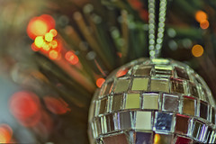 glitterball and chain (plw1053) Tags: macromondays macromonday hmm macro plw1053 paullgwells colours bokeh holiday theme challenge blur focus glitterball chain festive facets glass colourful bauble lights lighting holidaybokeh decorations christmas