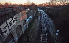 (felix.h) Tags: canoneos400d canon eos 400d digitalrebelxti eoskissdigitalx sigma1020mm sigma1020 wideangle frankfurt frankfurtmain frankfurtammain rödelheim winter cold sunset sundown railroadtrack railway graffiti
