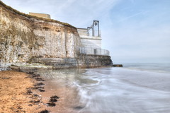 Pumping Station, Foreness Point, Kent (Aliy) Tags: pumpingstation forenesspoint foreness kent margate wastewaterpumpingstation botanybay beach sea sand ripples seawater cliff cliffs chalk chalkcliff chalkcliffs whitecliffs whitecliff longexposure