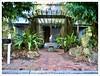 Sarasota (John Lamont1) Tags: leica digilux2 florida sarasota residentialtypology