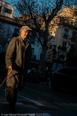 La calle con la luz más bonita de Granada (juanmatruji) Tags: colour pentax 35mm fujifilmx street granada spain 2016