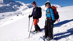 Stolze Schneeschuh-Läufer