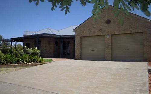36 Fisher Street, Parkes NSW 2870