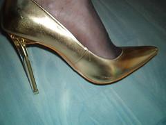 IM007447 (grandmacaon) Tags: escarpins hauttalon highheels pumps lowcutshoes toescleavage