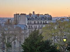 Montmartre Sunset (Toni Kaarttinen) Tags: parís paris parizo pariisi párizs parigi パリ parijs paryż париж 巴黎 frança frankreich francio francia ranska france צרפת franciaország フランス frankrijk francja franţa франция frankrike 法國 iledefrance parisian sunset montmartre night evening