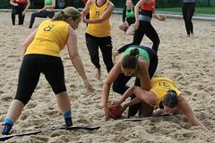 PG0O3105_R.Varadi_R.Varadi (Robi33) Tags: sun beach sports switzerland fight goal team sand basel viewer derby referees ballsports beachhandball actionball