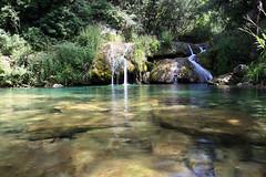 De l'eau pour me la couler douce (Emmanuelle2Aime2Ailes) Tags: eau rivière provence paysage cascade