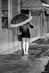 Call girl in the rain (Eduardo Bernardes) Tags: street city cidade urban girl rain avenida chuva noturna garota avenue callgirl streetphotographer