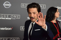 Diego Luna at the Rogue One -A Star Wars Story- World Premeire Red Carpet - DSC_0686 (RedCarpetReport) Tags: redcarpetreport redcarpet starwars rogue one rogueone waltdisneypictures lucasfilmevent jedi galacticempire premiere hollywood exclusive