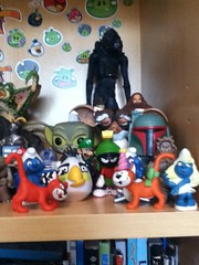 My Toy Collection (11/24/16) (splinky9000) Tags: petawawa ontario boxing day 112611 toys action figures neca toy biz jakks pacific schleich hasbro funko pop vinyl aliens xenomorph warrior lenny mogwai stripe gremlin boba fett star wars burger king clapboard smurf r2d2 azrael angry birds white looney tunes marvin the martian birthday party hat director chief chirpa ewok smurfette gimli lord of rings