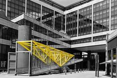 BW Bank Stuttgart (Hermann|Fotografie) Tags: bw canon stuttgart architektur scharzweiss canon700d