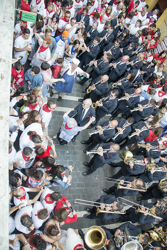 """SAN FERMIN 2015 14 • <a style=""""font-size:0.8em;"""" href=""""http://www.flickr.com/photos/39020941@N05/19686399282/"""" target=""""_blank"""">View on Flickr</a>"""