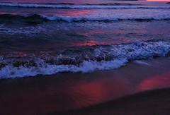 DSCF2334 (ropeccioli) Tags: fuji fujifilm sand sea seaside sunset beach waves reflection xpro2