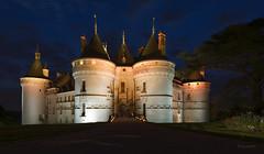 Blue hour on Chaumont sur Loire castle (Thierry1949) Tags: france chaumontsurloire loire loircher châteaux 1424mm nuit bluehour castle nikond610