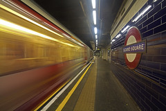 Scivola via / Slide away (Sloane Square Underground Station, London, United Kingdom) (AndreaPucci) Tags: sloane square station underground london uk tube night train andreapucci canoneos60 district line circle