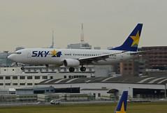 Skymark Airlines Boeing 737-8HX JA737N (EK056) Tags: skymark airlines boeing 7378hx ja737n fukuoka airport