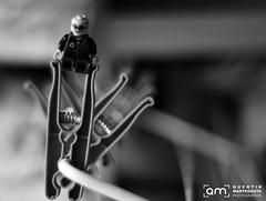 Lego (Quentin Martegoute Photographie) Tags: monochrome photography 50mm nikon noir lego figurines ie linge quentin clothespin saddler minifigures profondeurdechamps épingles buandrie d7000 quentinmartegoutephotography martegoute legogroupextérieur ograpgy