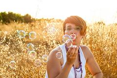 Blowing bubbles (Alicia Aznar) Tags: autoretrato pompas latelier aliciaaznarros aliciaaznarros