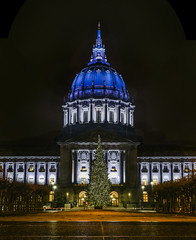 2016 christmas at city hall (pbo31) Tags: sanfrancisco california nikon d810 color december 2016 boury pbo31 bayarea panoramic large stitched panorama lightstream motion night dark black cityhall civiccenter plaza dome holidays christmas lights christmastree season blue