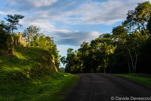 The road back from Xunantunich