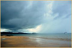 Il pleut sur Nosy Be (RarOiseau) Tags: nosysakatia nosybe pluie orage plage sable île madagascar