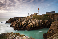 Pointe St Mathieu (Johann THEBAULT - Photographe Amateur) Tags: canon eos 7d lee leefilters big stopper bigstopper gnd pointesaintmathieu saintmathieu phare lighthouse abbaye abbey pose longue poselongue longexposure long exposure sigma 1020 10 20 bretagne brittany finistère