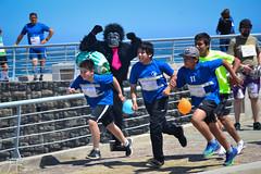 Innovarun (Javiera Peralta Toro-Moreno) Tags: innovarun correr run creativo creative carrera race playa beach agua water family familia boy kid niño