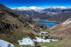 Tan pequeño y tan grande (javipaper) Tags: montaña mountain snow montañapalentina palencia landscape paisaje naturaleza
