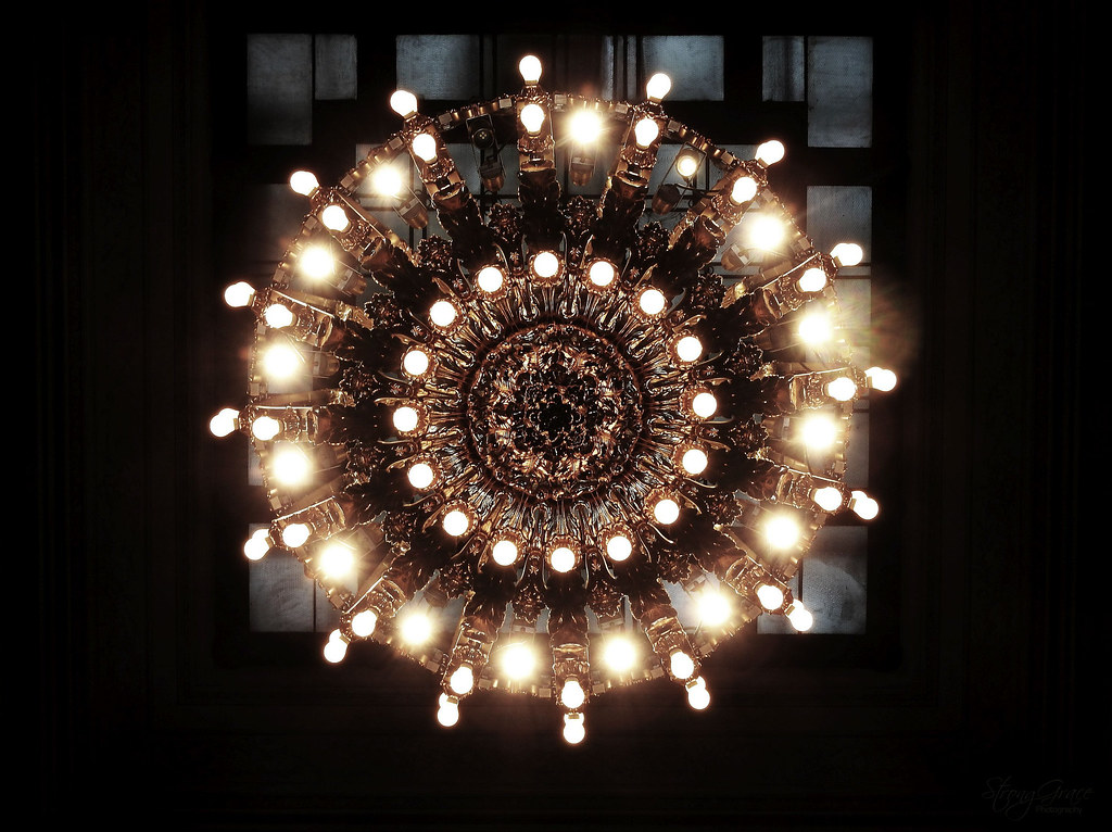 DSCN (334) (StrongGrace Photography) Tags: Circle Chandelier Kronleuchter  Selectivecoloring Grandcentralterminal Newyork
