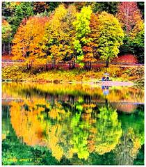 Harmonie de couleur dans le lac de Valon (arno18☮) Tags: lacdevalon hautesavoie bellevaux chevrerie france couleurs harmonie reflet rhônealpes lac laghetto wow water sky nature tree landscape lake new sunset