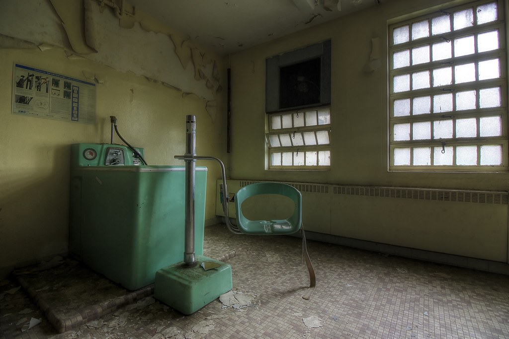 The World\'s Best Photos of asylum and hydrotherapy - Flickr Hive Mind
