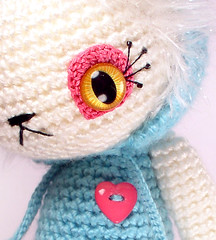 bianca7A (ElisabethD) Tags: blue white cute art animal cat toy diy stuffed doll handmade crafts details crochet softie softies crafty amigurumi crocheted gourmetamigurumi frhwofavs
