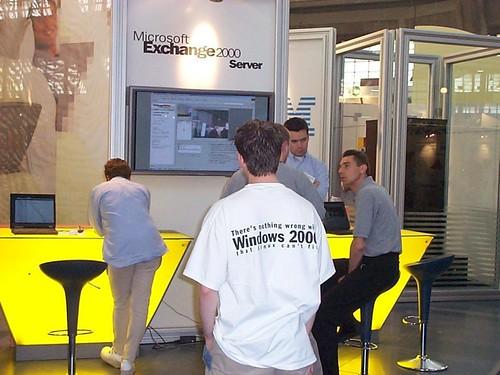Microsoft Windows 2000 joke t-shirt