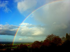 rainbow over the Vale (algo) Tags: uk blue trees light red england sky white green topf25 yellow topv2222 clouds photography grey interestingness rainbow topf50 bravo europe shadows view gutentag topv1111 topc75 gray hills explore rainbows algo topv3333 topf100 thevale aylesburyvale explore9 spectacularlandscape specland gtaggroup goddaym1 fcrnbws