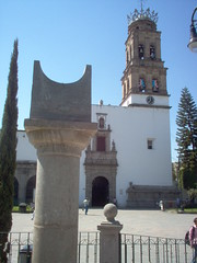 Tiempo de Acambaro (marthax) Tags: churches reloj guanajuato iglesias cantera acambaro relojsolar