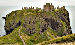 Scotland Dunnottar Castle (2) - by yewenyi