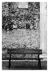 San Rufo Square, Center of Italy (claudia_perilli) Tags: bw italy bench square italia centro center piazza italybw bnarchitettura bncitt circolomicromosso