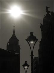 Contraluz (Haciendo clack) Tags: españa sol lafotodelasemana spain europa europe 2006 bn valladolid mireasrealm lmff lmff1 lmff2 haciendoclack 12042006 lfscontraluces ltytr2 ltytr1 ltytr3 jesúsgonzálezlópez