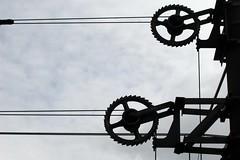 Zahnrad (josepina) Tags: wheel rad rope chain cogwheel zahnrad strom oberleitung seil coogne