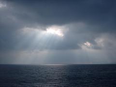 Nuvole e Luce (Tintura) Tags: sardegna light sea sky cloud water mare sardinia nuvola cielo acqua riflessi luce alghero