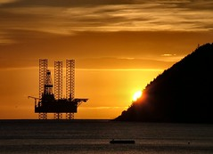 The first glimpse of day (ccgd) Tags: sunrise scotland interestingness highlands quality galaxy rig cromarty oilrig sutor firth interestingness2 jackup photodotocontest1