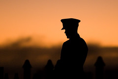 ANZAC: Still (Devar) Tags: orange man male hat silhouette sunrise soldier topv333 memorial war australia 2006 perth western rememberance wa kingspark anzac rsl anzacday dawnservice memorialservice canon70200mmf28lisusm 200viewswinner