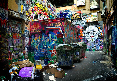 Graffiti alley / Dave Pinn