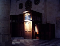 Ulm Cathedral. Confessional. (curiousl) Tags: light 2004 topv111 wow germany europe mood cathedral september spiritual confessional showcase bigcalm ulm mnster topvaa interestingness380 i500 beichte theworldthroughmyeyes explore28apr06 curiousl  set100 settravelgermany innashulmanc monitor141611