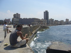 La Habana, el malecn (fishing young men) - Cuba (Sly's) Tags: havana cuba habana havanna kuba malecn